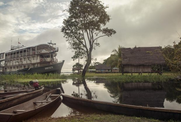 itinerary_lg_peru_amazon_riverboat_waterscape_canoes-1n9a1356_processed_lg_rgb